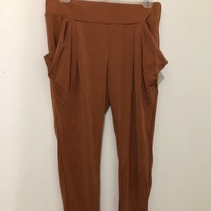 flowy at the top tight at the bottom pants